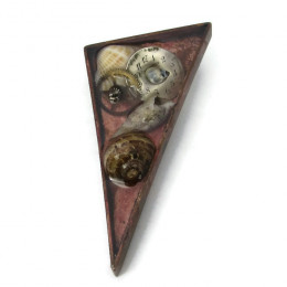 Deluxe Triangular Brooch