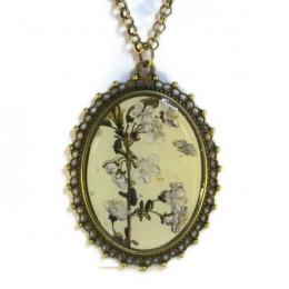 'Metamorphosis III' - Victorian Style Oval Necklace