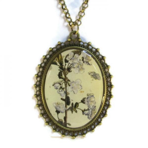 'Metamorphosis III' - Victorian Style Oval Necklace