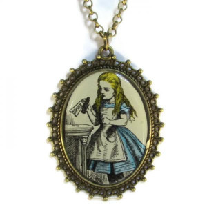 BESTSELLER - 'Alice' - Victorian Style Oval Necklace