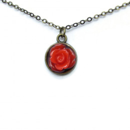 Elegant Red Rose Necklace
